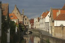 Free Small Canal In Bruges Royalty Free Stock Images - 22123989