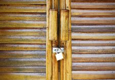 Free Bamboo Door And Lock Key Royalty Free Stock Photography - 22131317