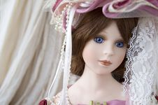 Free Classic Doll Face Royalty Free Stock Photo - 22142705