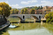 Free Bridge Over The Tiber River Stock Photos - 22145493