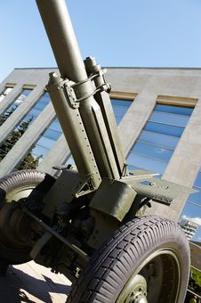 Free Soviet Howitzer In Museum Royalty Free Stock Images - 22157129
