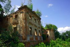 Free Old Palace In Ruins Royalty Free Stock Images - 22157639