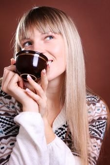Beautiful Blonde With A Cup Royalty Free Stock Photo