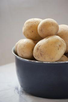 Free Potatoes Raw Vegetables Food Royalty Free Stock Photos - 22174978