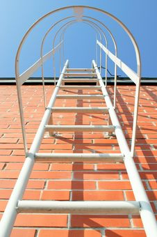 Free Ladder To The Roof Royalty Free Stock Photo - 22186695