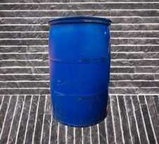 Free Blue Garbage Bucket Royalty Free Stock Photography - 22194797