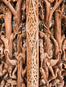 Free Ancient Images Carved In Wood Royalty Free Stock Images - 22195039