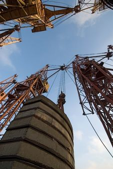 Free Old Elevating Cranes Stock Image - 2228621