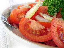 Free Fresh Tomatoes Salad With Onion Royalty Free Stock Image - 22217616
