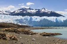 Free View Of The Glacier Perito Moreno Stock Photo - 22228540