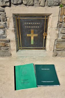 Free War Grave Visitors Book Royalty Free Stock Photography - 22231227