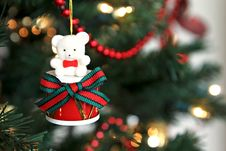 Free Drummer Bear Ornament Royalty Free Stock Image - 22241046