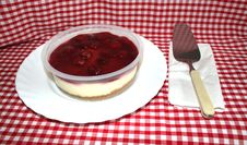 Free Strawberry Cheesecake And Server Royalty Free Stock Photo - 22243545