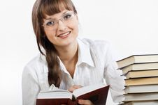Free Girl Reading A Book Stock Photography - 22253112
