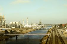 Free Oil Refinery Royalty Free Stock Photo - 22255435