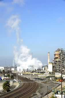 Free Oil Refinery Royalty Free Stock Photography - 22255487