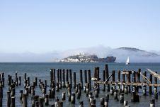 Free Foggy Alcatraz Prison Royalty Free Stock Photography - 22274867