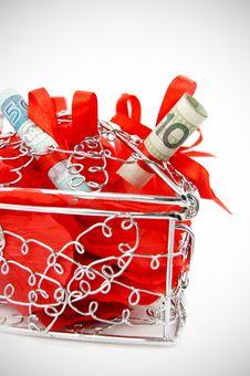 Free Beautiful Heart Box With Money Royalty Free Stock Photos - 22286088