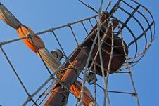 Free Mast Of The Sail Royalty Free Stock Images - 22292489