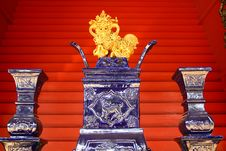 Free Chinese Porcelain Lion Decoration Royalty Free Stock Photos - 22297648