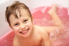 Free Child Bathes In A Bathroom Stock Image - 22302691