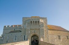 Free Entrance To The Castle Royalty Free Stock Images - 22331929