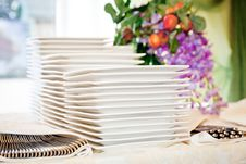 Free Stacks Of White Plates Royalty Free Stock Photo - 22334105