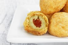 Free Olive Balls Royalty Free Stock Images - 22337479