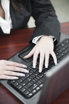 Free Business Woman Working With Thw Keyboard Stock Photos - 22344953