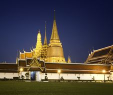 Free Royal Palace In Bangkok Royalty Free Stock Images - 22348109