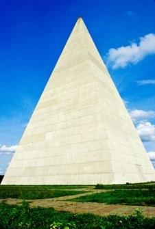 Free Pyramid Near Moscow Royalty Free Stock Photo - 22376055