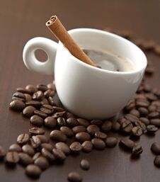 Free Cup Of Coffee With Cinnamon Stock Photos - 22385613