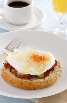 Free Eggs Benedict Royalty Free Stock Photo - 22390665