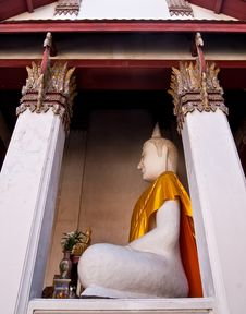 Free White Buddha Image Royalty Free Stock Photography - 22395267