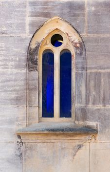 Free Blue Ogival Window Royalty Free Stock Photos - 2240228
