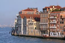 Free A Beautiful Canal Of Venice It Royalty Free Stock Image - 2240526