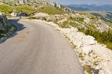 Free Hairpin Route - Montenegro Royalty Free Stock Image - 22400616