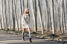 Free Beautiful Blonde Girl Walking In A Rural Road Royalty Free Stock Photos - 22402658