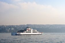 Free Ferry On Sea Royalty Free Stock Photos - 22409628