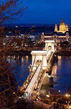 Free Chain Bridge Royalty Free Stock Image - 22412586