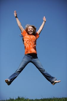 Free Young Girl Jumping On A Sunny Day Royalty Free Stock Photos - 22414148