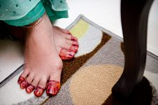 Free Feet Wearing Henna Stock Image - 22421911