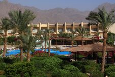 Free Hotel In Desert Royalty Free Stock Image - 22439046