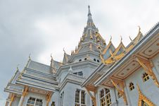 Free Thai Temple And Cloudy Sky Stock Image - 22445911