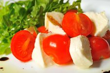 Free Italian Caprese Salad Royalty Free Stock Images - 22447299