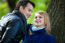 Free Loving Couple In The Park Royalty Free Stock Photos - 22449408