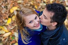 Free Romantic Couple In A Park Royalty Free Stock Image - 22449436