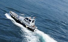 Free Pilot Boat Royalty Free Stock Photos - 22453828