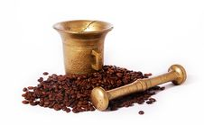 Free Roasted Coffee And Ancient Brazen Pounder Stock Photo - 22458600