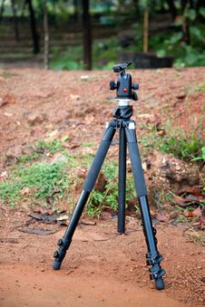 Free Camera Stand - Tripod Stock Photos - 22475403